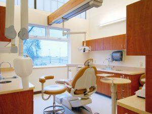 Commerce City Salud daylighting dental exam room