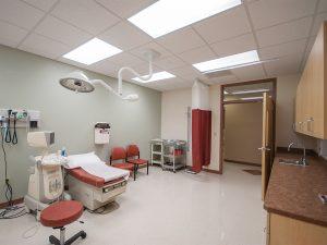 Fort Morgan Salud medical exam room