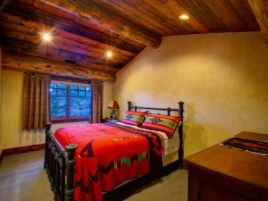 Schultz Custom Luxury Mountain Guest Room