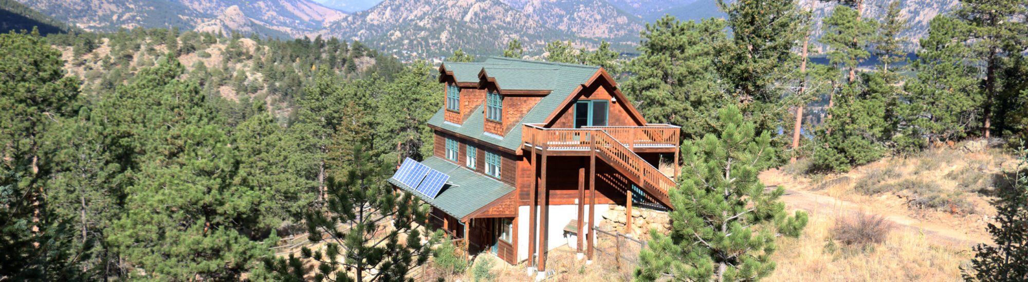 Off-grid Carriage House